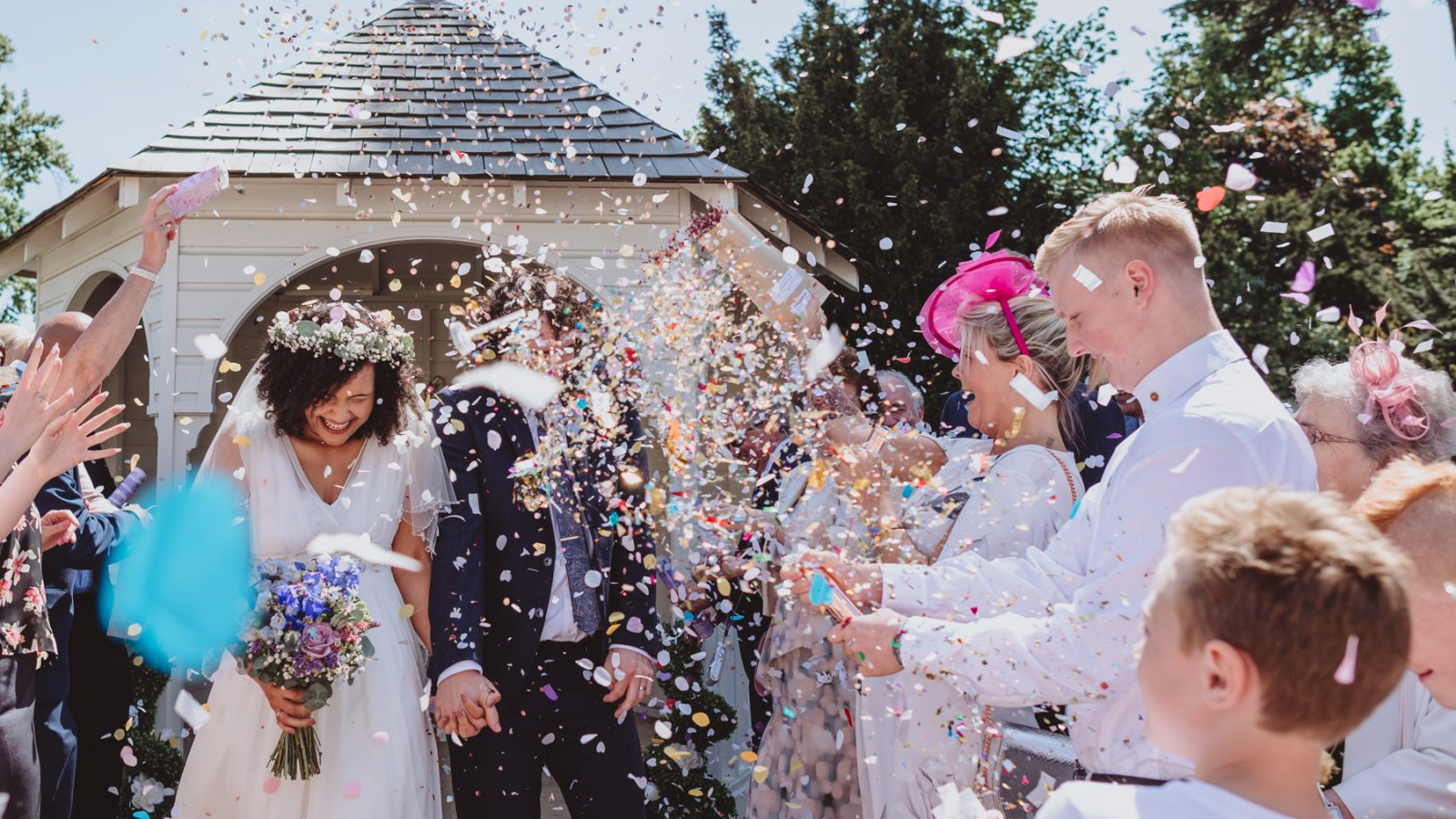 confetti-canon-glenfield-registry-office