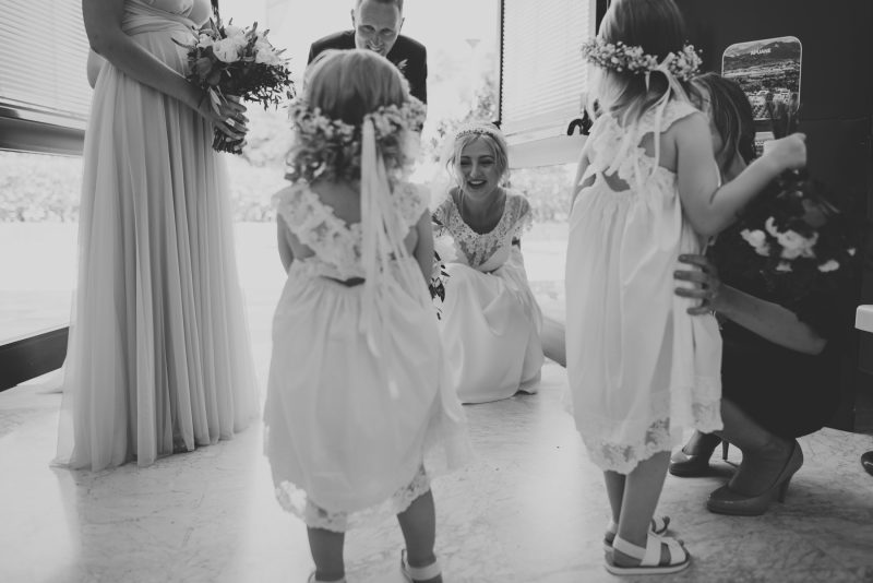 bride-flowergirls-destination-wedding-italy